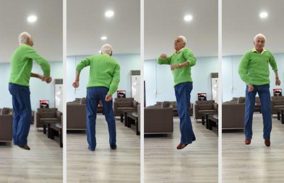 81'inci yaşını havada kutladı!